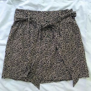LEOPARD PLEATED MINI SKIRT WITH BELT - SIZE M